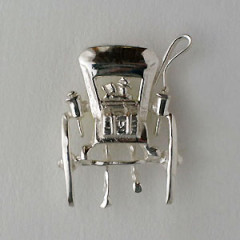 Pin's Argent CALECHE
